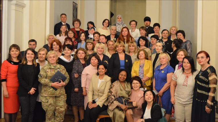 Ukrainian deputy pledges support for all-women convoy