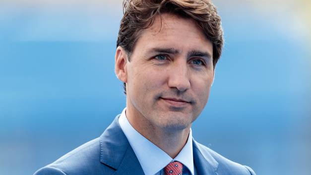 Прем'єр-міністр Канади: «Держава не має вказувати жінці, як вдягатися»