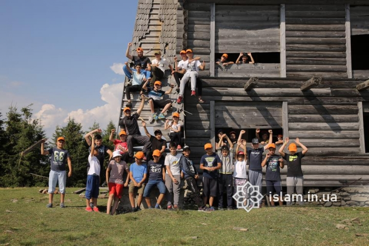 """The Most Polycultural of """"Druzhba"""" Camps: Interestingness, Excursions and Talents"""
