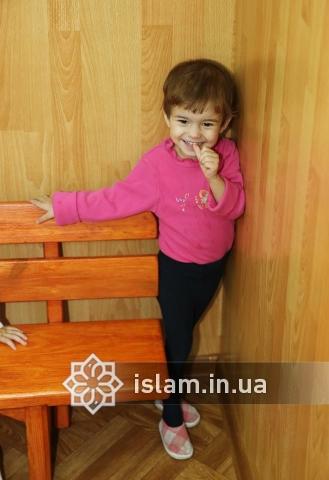 «…… Тот, кто опекает сироту, будет в раю так близко от меня, как эти два [пальца] …»