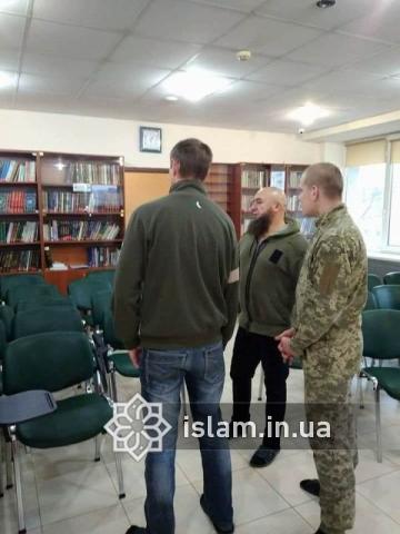 Волонтеры-мусульмане поддерживают пациентов харьковского госпиталя