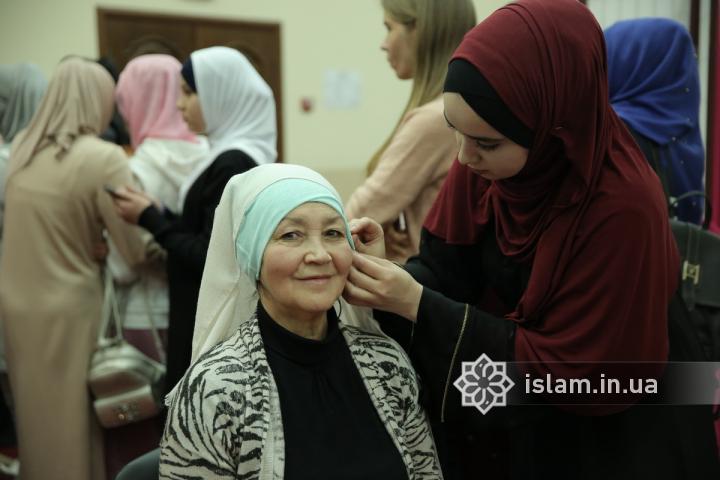 Ці кілька годин перевернули всі мої уявлення! — відгук  немусульманки після Дня хіджабу в київському ІКЦ