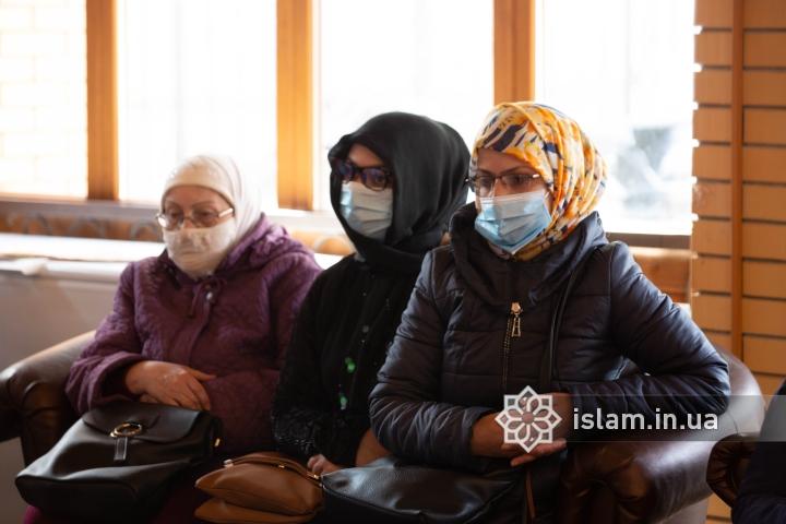 Серед тих, хто отримує допомогу - переселенці, багатодітні родини, самотні старі