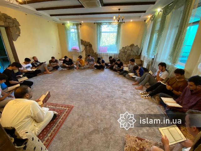 Молоді мусульмани в Генічеську відпочили з користю