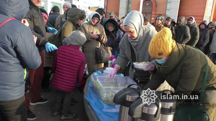 Ми приходимо з однією метою: допомогти, — волонтерки спільноти BEZ ДОМА