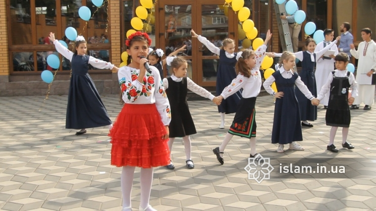 """Gymnasium """"Our Future""""s Two """"First Bells"""": Starting New School Year with a New Branch!"""