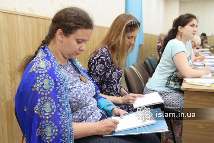 Про мусульманські мотиви у доробках українських письменників — доповідь участниці VI Міжнародної ісламознавчої школи