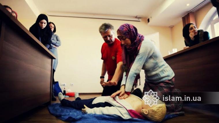 Іноді секунди вирішують все: в ІКЦ вчили надавати першу долікарську допомогу