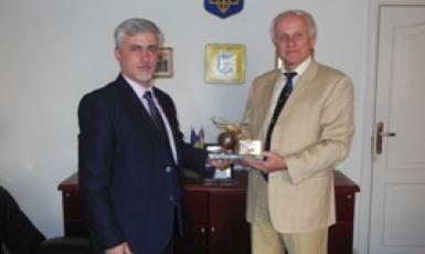 Посол України Сергій Пасько провів зустріч з комерційним директором ПрАТ «Авіакомпанія «Українські вертольоти» Андрієм Небратом.