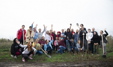 Акція «Мільйон дерев» триває: мусульмани разом з іншими активістами посадили 659 дерев на берегах річки Здвиж