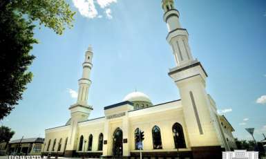 У Середній Азії тільки в Узбекистані дозволили відновити діяльність мечетей