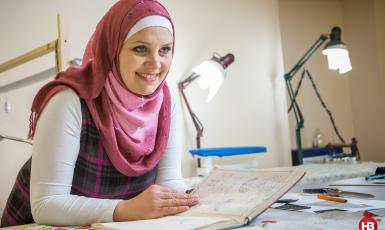 Шляхом навчання хочемо вести міжкультурний діалог: дизайнер мусульманського одягу відкриває власну Школу дизайну