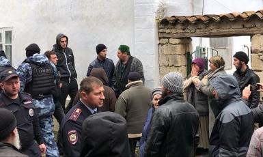 «Human Rights Watch»: російська влада в окупованому Криму продовжує переслідувати кримських татар за безпідставними звинуваченнями