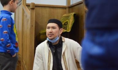 «Про іслам люди судять так, як ми себе поводимо». Історія імама Рустама Хуснутдінова