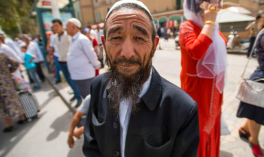 Уйгурські мусульмани зазнають утисків з боку влади Китаю