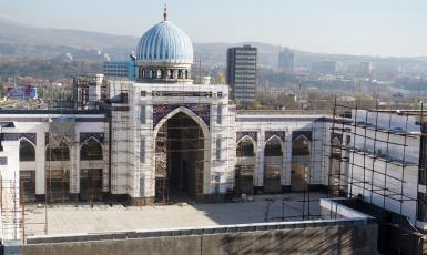 У Таджикистані зводять мечеть для одночасної молитви 120 тисяч мусульман