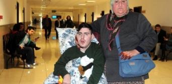 Мусульманка оплакує підопічного, якого вона рятувала 10 років