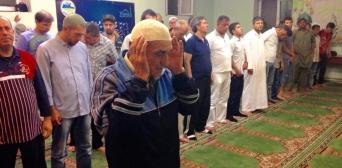 Зараз кількість прихожан, що залишаються на ніч в мечеті, не так велика, як зазвичай