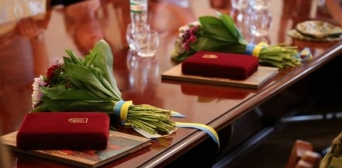 Серед Народних Героїв України − ім'я Решата Аметова