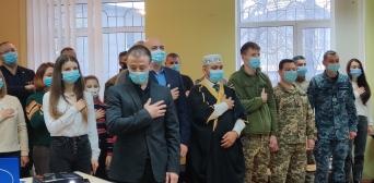 © ИКЦ «Аль-Масар», Одесса: 05.12.2020 г.. Торжества по случаю Дня ВСУ - награждение воинов-мусульман медалью «За служение исламу и Украины»