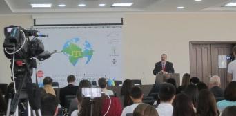 В Киеве начался Международный молодежный форум «Будущее Крыма»