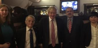 Голова МЗС Великої Британії зустрівся з лідерами кримських татар