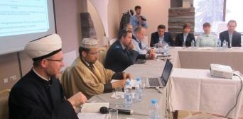 Пришельцы из других стран поражены тем, насколько свободно чувствуют себя верующие в Украине, — доктор Абу Альруб на межрелигиозном круглом столе в Киеве