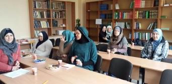 Львовские мусульманки встретят Рамадан, обогатившись знаниями