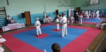 Маленький кримчанин Енвер Сефідінов переміг у двох турнірах України з карате