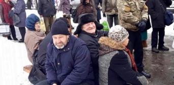 І в сніг, і в дощ, і в мороз: волонтерки «Мар'ям» не залишають нужденних без допомоги