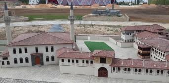 У музеї глядачі зможуть помилуватися і макетом Бахчисарайського Ханського палацу.