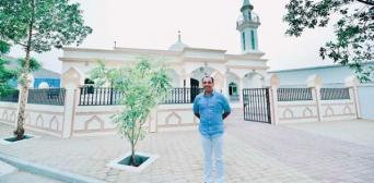 До Рамадану в ОАЄ християнин-підприємець подарував робочим мечеть