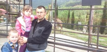 Архів. Емір-Усеін  Куку з дітьми до свого затримання окупантами