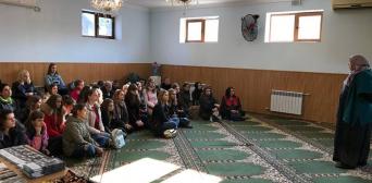 У мусульман Запоріжжя в ІКЦ гостювали студенти-медики