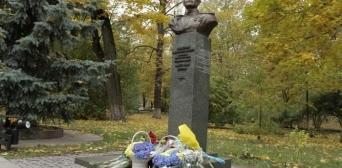 В Україні вшанували пам'ять Амет-Хана Султана