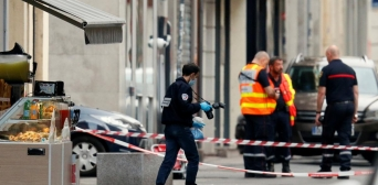Спростовано факт причетності мусульман до нападу на священика в Ліоні — у нього стріляв християнський священнослужитель
