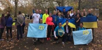 В Лондоне — марафон под украинскими и крымскотатарскими знаменами