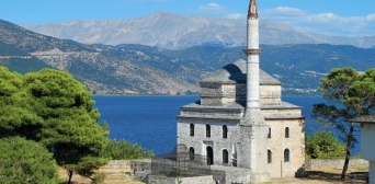 Парламент Греції схвалив закон про відновлення будівництва мечеті в Афінах