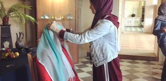 ©️ІКЦ ім.Мухаммада Асада: Активістки провели майстер-клас із зав'язування хустини у Музеї східних культур м.Золочів