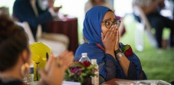 ©LEILA NAVIDI/STAR TRIBUNE: Реакція Коршо Хассан, коли її назвали «Учителем року-2020» у штаті Міннесота