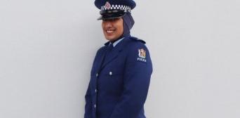 ©ВВС Полиция Новой Зеландии надеется, что введение хиджаба как елемента формы побуждает к службе больше мусульманских женщин