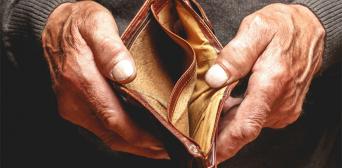 Для того, щоб заслужити Боже благословення, невідомий стамбулець таємно оплачує рахунки малозабезпечених