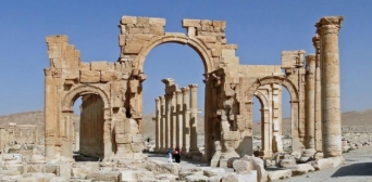 Бойовики ІГ підірвали Тріумфальну арку в стародавній Пальмірі