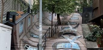 ©️maksiov/instagram: Украинский художник Максьов создал оптические иллюзии на ступенях лестницы в стамбульском районе Бейоглу
