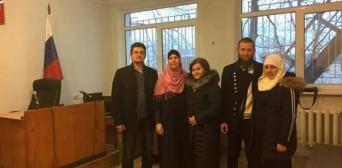 У Бахчисараї кримські татари здійснили намаз прямо у залі суду