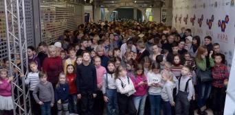 Сироти та діти з окупованих територій стали першими відвідувачами «Музею казок»