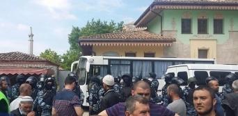 Мечеті оскверняють, рвуть Корани, заарештовують кримських татар, — Заір Смедляєв