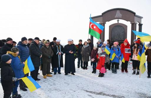 У місті Дніпро лунали мусульманські молитви за жертв трагедії січня 1990 року в Баку